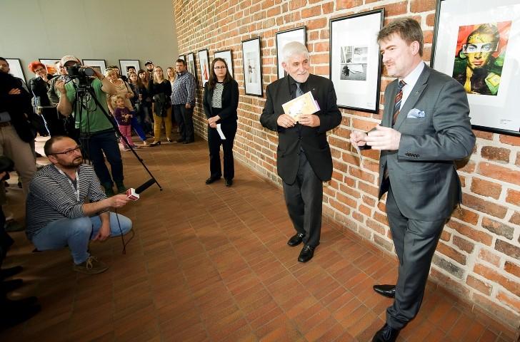 Świadkowie czasów we Wrocławiu – fotograficzna relacja z otwarcia wystawy w Domku Romańskim