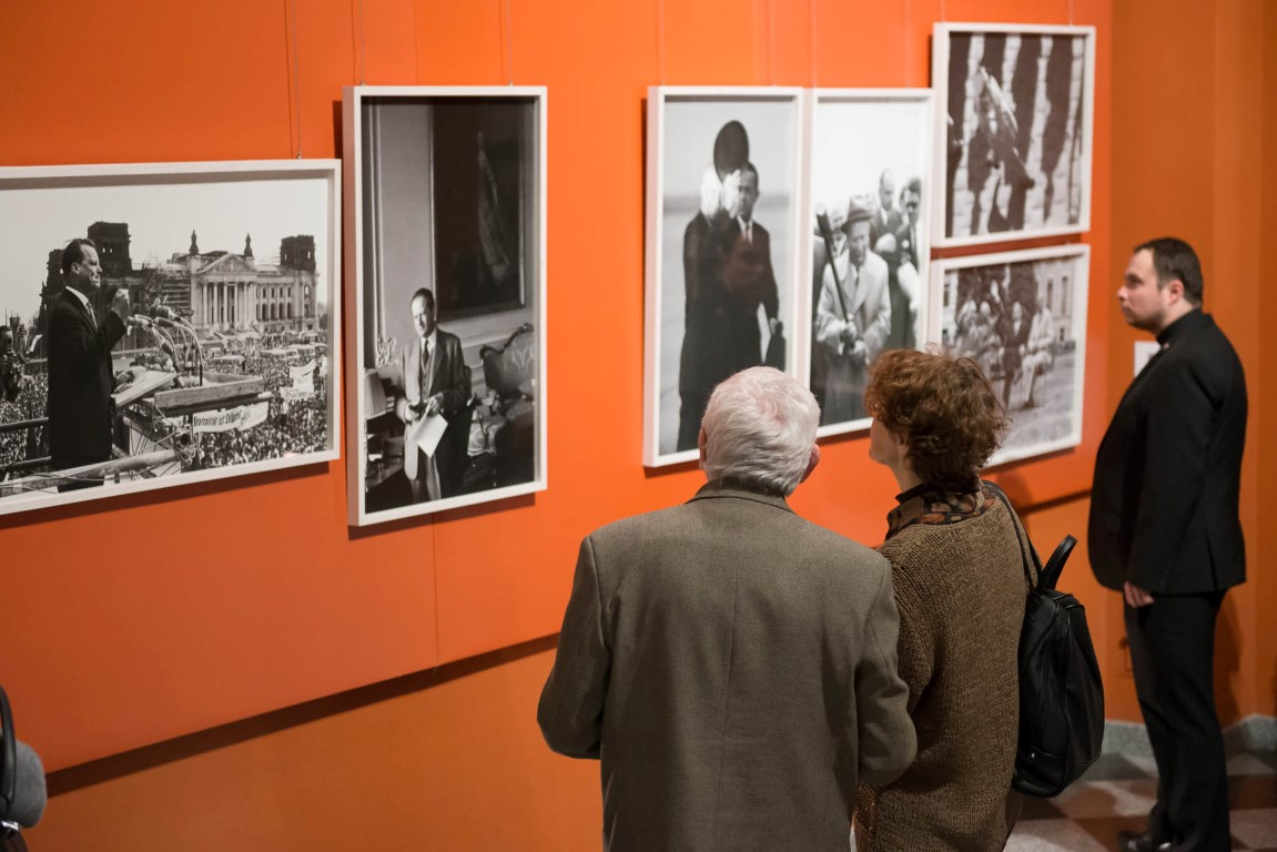 """Lessing przedstawia Lessinga"" wernisaż wystawy fotografii Ericha Lessinga. 3 II 2017 r."